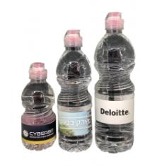 בקבוקי מים ממותגים